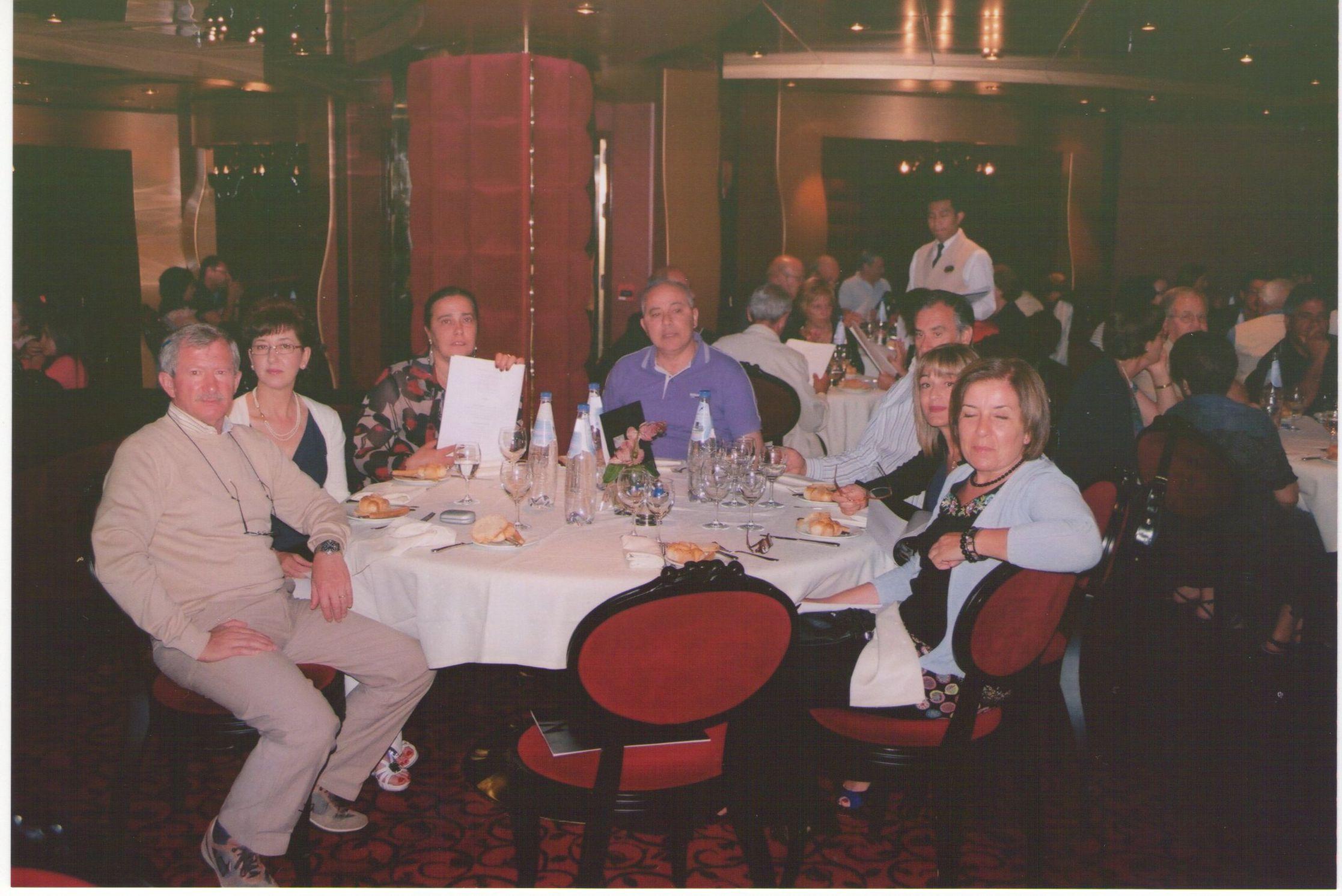 08-cena-a-bordo-della-motonave
